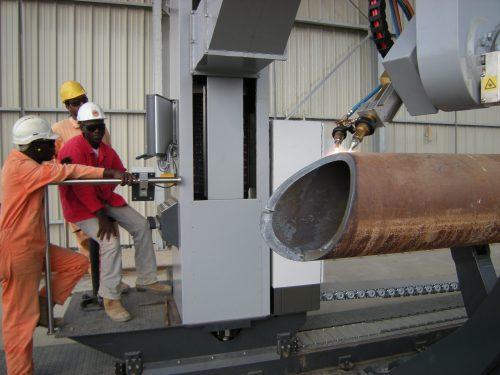 3D pipe plasma cutting machine