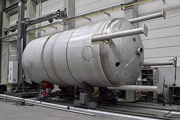 vessel and pipe cutting machine
